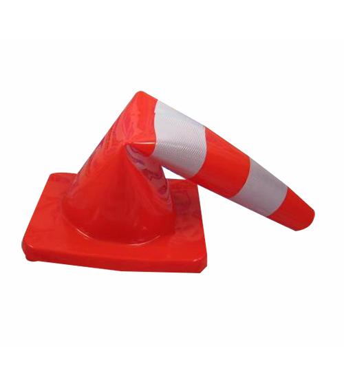 Cọc tiêu nhựa mềm PVC cao 70cm (35x35cm)